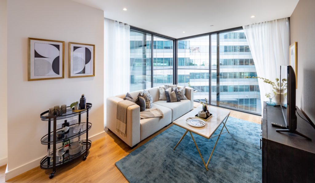 Luxury 2 bed apartment living room in Hampton Tower, South Quay Plaza